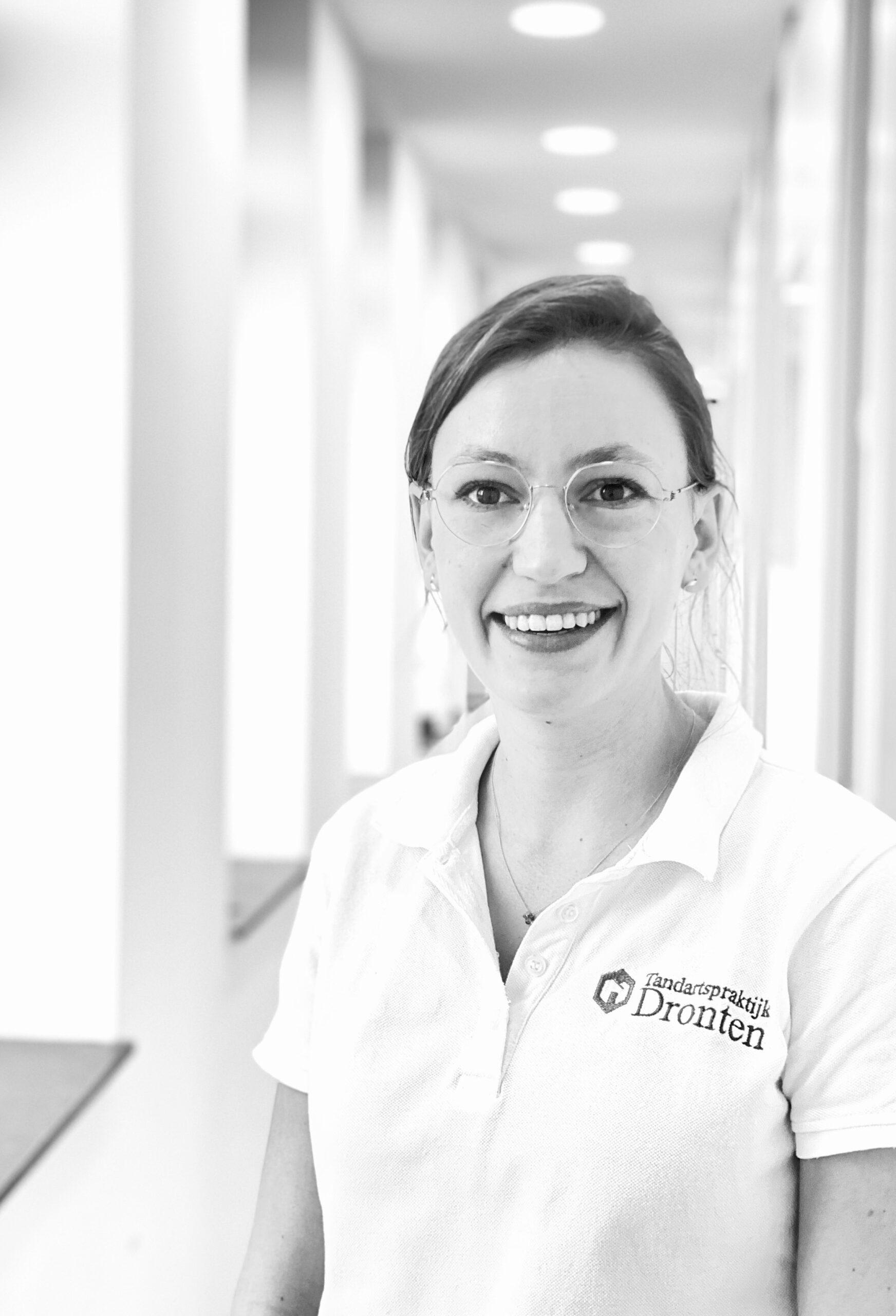 Nina Mulder tandarts Dronten